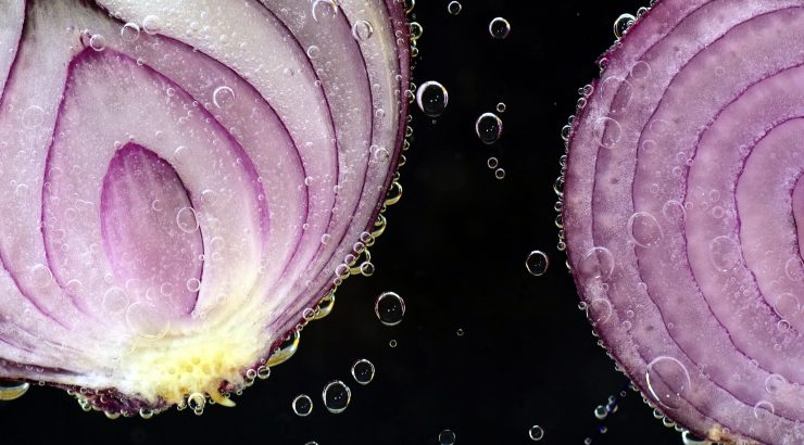 The Health Benefits of Onion Juice