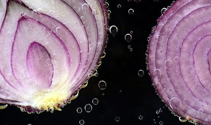 The Health Benefits of Onion Juice